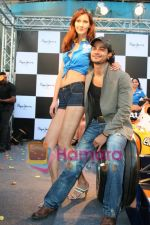 Kunal Khemu promotes Pepe Jeans at F1 event in Phoenix Mills on May 24th 2008 (18).JPG