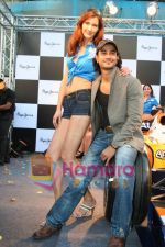 Kunal Khemu promotes Pepe Jeans at F1 event in Phoenix Mills on May 24th 2008 (19).JPG
