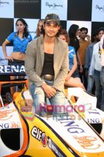 Kunal Khemu promotes Pepe Jeans at F1 event in Phoenix Mills on May 24th 2008 (24).JPG