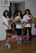 at Femina Miss India in Paassion Yoga Centre, Breach Candy on May 28th 2008(15).JPG
