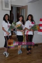 at Femina Miss India in Paassion Yoga Centre, Breach Candy on May 28th 2008(17).JPG