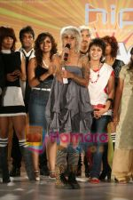 at Sapna Bhavnani_s Shag Hair show in ITC Grand Maratha on June 2nd 2008(45).JPG
