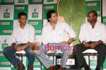 Rahul Dravid and Wasim Akram at Castrol event in Taj on June 5th 2008(4).JPG