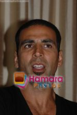 Akshay Kumar at SINGH IS KINNG press conference at Sun N Sand on June 13th 2008 (9)