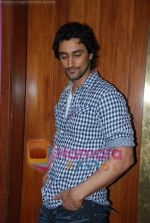 Kunal Kapoor in association with Art of Living Foundation presented gifts to kids at Hard Rock Cafe on June 14th 2008 (22).JPG