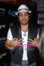 Mika Singh at Get Smart Premiere in Fame on 18th June 2008(6).JPG