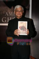 Amitav Ghosh at the book reading of Amitav Ghosh_s book Sea of Popples at Hilton on June 22nd 2008 (4).JPG