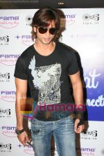 Shahid Kapoor promotes his movie Kismat Konnection in Fame on June 23rd 2008(11).JPG