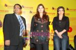 Soha Ali Khan, Vasundhara Das at 70 MM Endorsement event in Intercontinnental on June 25th 2008 (5).JPG