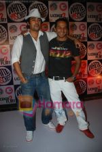 Rannvijay, Nikhil Chinappa at MTV License to Flirt launch at Taj Hotel on June 25th 2008(2).JPG