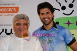 Harman Baweja, Javed Akhtar at Interaction with Kids at Fame, Andheri on June 27th 2008 (2).JPG