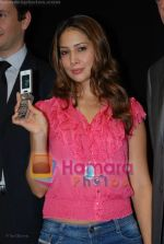 Kim Sharma at the launch of Porsche first mobile phone in Kemps Corner on June 27th 2008(4).JPG