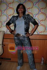 Mansi Scott at the recording of Mansi Scott_s debut album with Mika Singh at MEET Brothers recording studio on 27th June 2008 (7).JPG