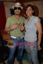 Mansi Scott, Mika Singh at the recording of Mansi Scott_s debut album with Mika Singh at MEET Brothers recording studio on 27th June 2008 (11).JPG