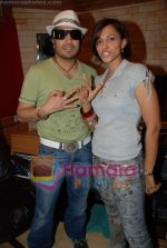 Mansi Scott, Mika Singh at the recording of Mansi Scott_s debut album with Mika Singh at MEET Brothers recording studio on 27th June 2008 (12).JPG