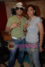 Mansi Scott, Mika Singh at the recording of Mansi Scott_s debut album with Mika Singh at MEET Brothers recording studio on 27th June 2008 (13).JPG