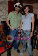 Mansi Scott, Mika Singh at the recording of Mansi Scott_s debut album with Mika Singh at MEET Brothers recording studio on 27th June 2008 (5).JPG