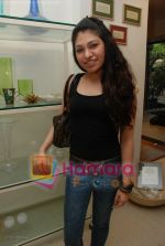 Tulsi Kumar at the launch of D7 store in Mumbai on June 26th 2008(2).JPG