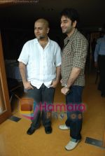 Vishal Dadlani, Shekhar Ravjiani at Bachna Ae Hasseno Music Preview at Yash Raj Studios on July 5th 2008 (22).JPG