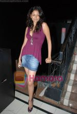 Hot sizzling babes at Faisal Khan_s bday bash for girlfriend Shikha in Black on July 7th 2008(4).JPG
