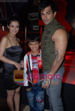 Shweta Gulati, Karan Singh Grover at Star One_s Zara Nachke Dikha kickstarts in Sports Bar on July 8th 2008(4).JPG