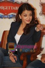 Aishwarya Rai at the Unforgettable Tour Press Meet in Taj Land_s End on July 11th 2008 (7).JPG