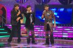Abhijeet Sawant, Rahul Vaidya, Harshit Saxena at the finals of Jo Jeeta Wohi Superstar on July 12th 2008 (3).JPG