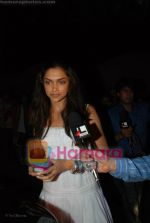 Deepika Padukone at Katrina Kaif_s birthday bash in Olive on 16th July 2008(121).JPG