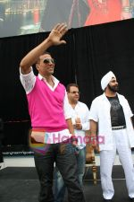 Akshay Kumar promotes SINGH IS KINNG in Toronto,Canada on July 18th 2008 (6).JPG