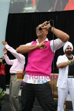 Akshay Kumar promotes SINGH IS KINNG in Toronto,Canada on July 18th 2008 (7).JPG