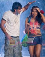 Ranbir Kapoor and Bipasha Basu in a still from the movie Bachna Ae Haseeno.jpg