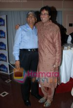 Talat Aziz at Khazana concert in Trident on July 25th 2008(2).JPG