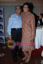Talat Aziz at Khazana concert in Trident on July 25th 2008(3).JPG