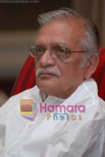 Gulzar at Selective poems book launch by Gulzar in ITC Grand Maratha on July 26th 2008(29).JPG