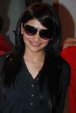 Prachi Desai with her favourite sunglass on 14th August 2008.JPG