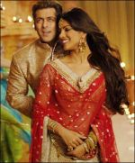 Salman Khan, Priyanka Chopra in a still from the movie God Tussi Great Ho (2).jpg
