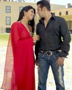 Salman Khan, Priyanka Chopra in a still from the movie God Tussi Great Ho (3).jpg