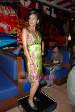at Arshiya Fakih collection showcase at TGIF in infinity Mall on August 15th 2008 (11).JPG