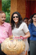 Ekta Kapoor on the sets of Mahabratha on the occasion of Janmashtami in Film City on August 24th 2008 (11).JPG