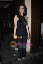 Kashmira Irani at Swastik Pictures bash for Amber Dhara in Vie Lounge on 29th August 2008 (2).JPG
