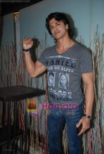 Sahil Khan at Swastik Pictures bash for Amber Dhara in Vie Lounge on 29th August 2008 (5).JPG