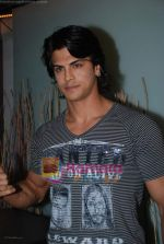 Sahil Khan at Swastik Pictures bash for Amber Dhara in Vie Lounge on 29th August 2008 (72).JPG