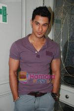 Kunal Khemu at the Film 99 on Location in Hotel Le Merridean on 17th September 2008 (12).JPG