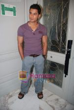 Kunal Khemu at the Film 99 on Location in Hotel Le Merridean on 17th September 2008 (5).JPG