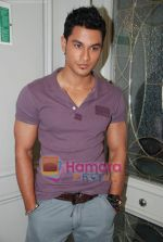 Kunal Khemu at the Film 99 on Location in Hotel Le Merridean on 17th September 2008 (7).JPG
