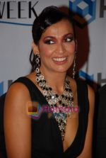 Madhu Sapre at Ashish Sonis Show at HDIL Couture Week on 17th September 2008 (4).JPG