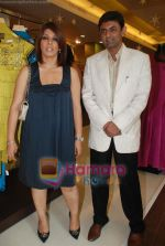 at Urvashi Kaur_s new collection showcase in Amara, Kemps Corner on 24th September 2008 (12).JPG