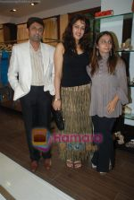 at Urvashi Kaur_s new collection showcase in Amara, Kemps Corner on 24th September 2008 (17).JPG
