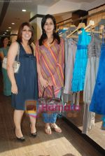 at Urvashi Kaur_s new collection showcase in Amara, Kemps Corner on 24th September 2008 (3).JPG