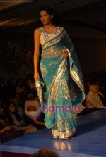 at the unveiling of Maheka Mirpuris collection Passione in Hotel Taj President on 3rd october 2008 (52).JPG
